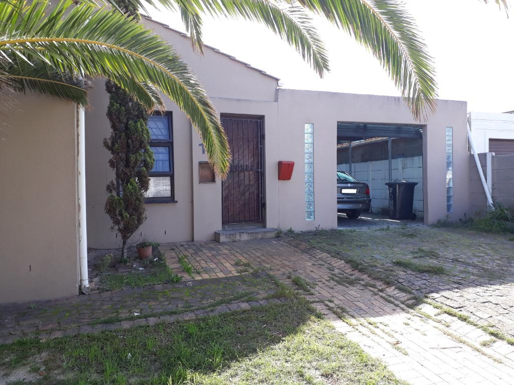 3 Bed Home For Sale In Mitchells Plain R 450000 Beds 2 Baths